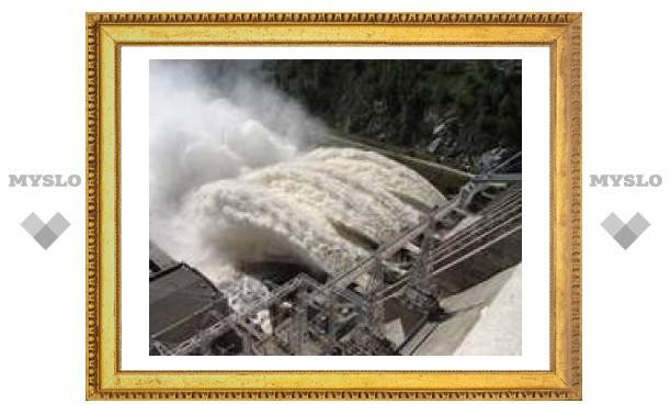 Водохранилище ГЭС в Амурской области грозит затопить окрестные села