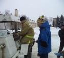 Щёкинские спасатели накормили горожан кашей и чаем