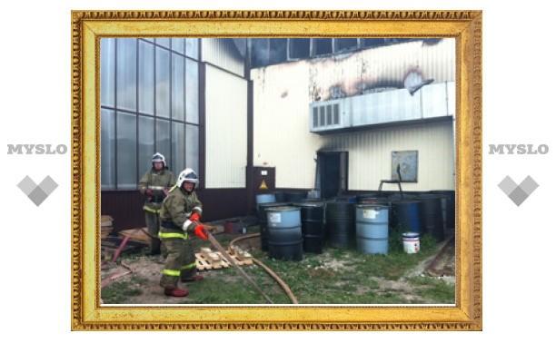 В Туле произошел крупный пожар на заводе