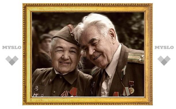 Тульские почтальоны доставляют ветеранам губернаторские поздравления с Днем Победы
