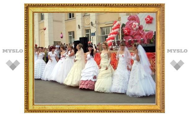 Парад невест, помимо Тулы, прошел и в Плавске
