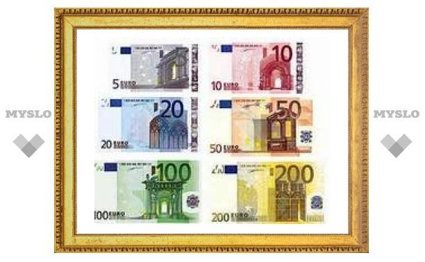 Евро подорожал до уровня марта 2005 года