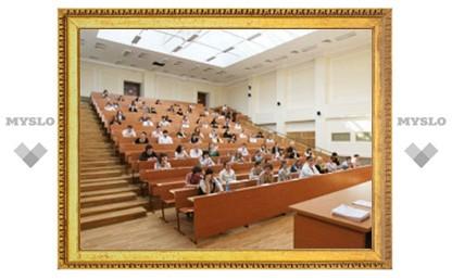 Медведев предоставил аспирантам отсрочку от армии