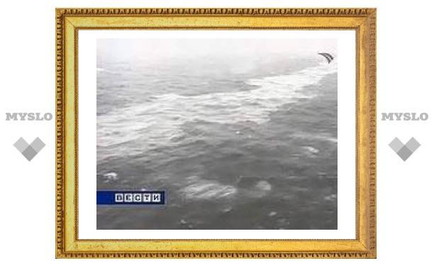 Возобновились поиски пропавших моряков в Керченском проливе
