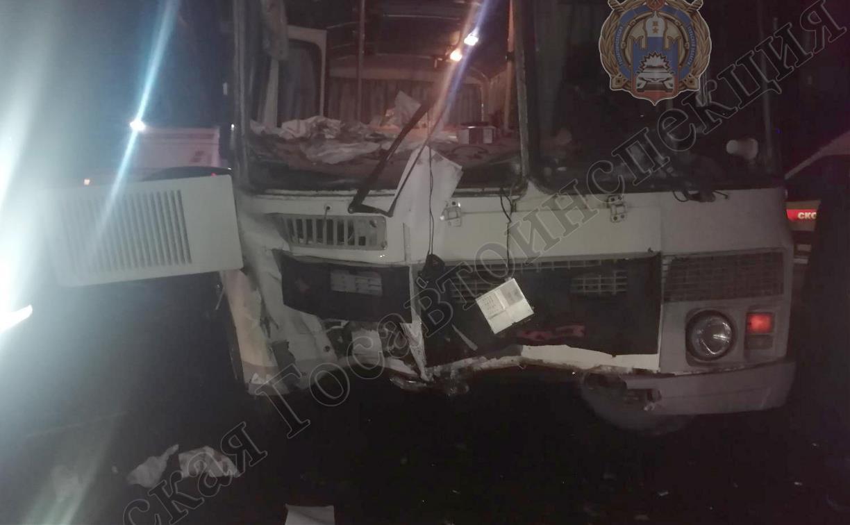 Под Тулой пьяный водитель автобуса устроил ДТП: пострадали два человека