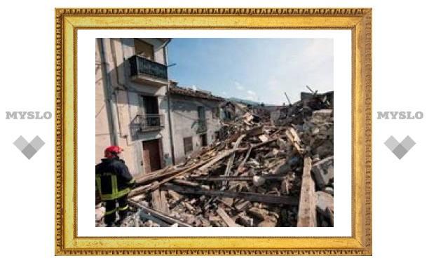 Число жертв землетрясения в Италии выросло до 235