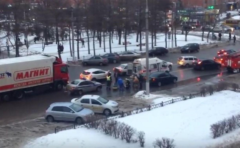 На улице Лейтейзена в Туле «Форд» сбил женщину