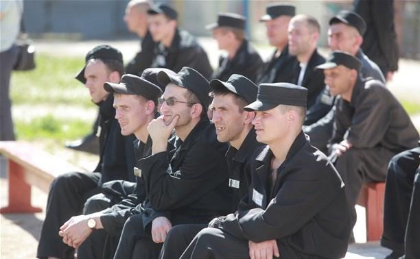 Работодателей хотят заставить брать на работу бывших заключенных