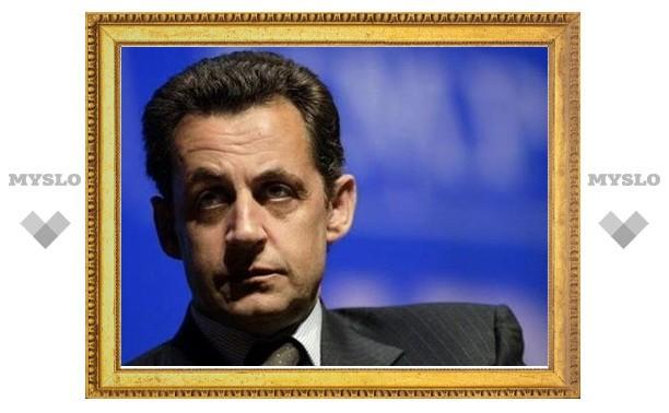 Протестующие фермеры завалили сеном вход в резиденцию Саркози