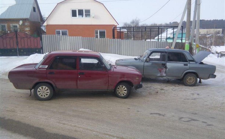 В Плавске на встречке столкнулись два ВАЗа