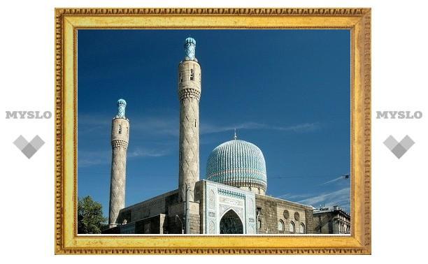 На Соборную мечеть Петербурга совершено разбойное нападение, похищено 1,5 млн. рублей