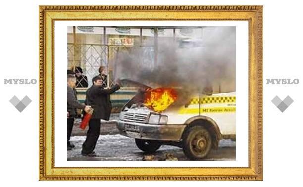 В Новомосковске поджигают автобусы