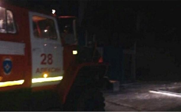 Ночью в Заокском районе загорелся ангар со спортивными самолётами