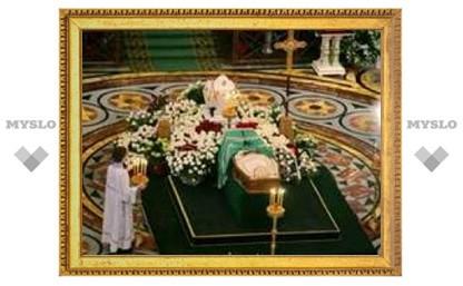 Трансляцию похорон Алексия II в прямом эфире покажут три канала