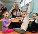 Поварам в образовательных учреждениях запретили наращивать ногти