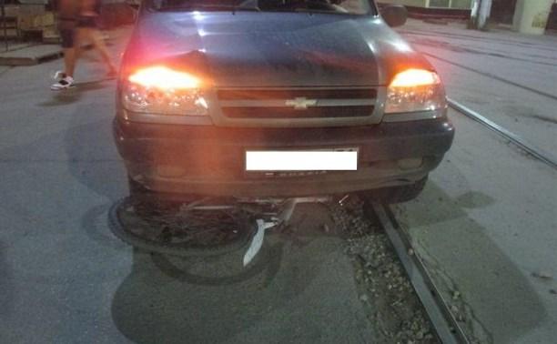 В Пролетарском районе под колеса «Нивы» попал 15-летний велосипедист