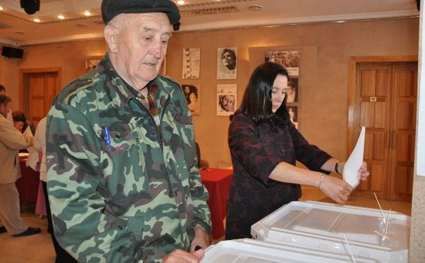 На именном избирательном участке в Ясной Поляне проголосовали потомки Льва Николаевича Толстого