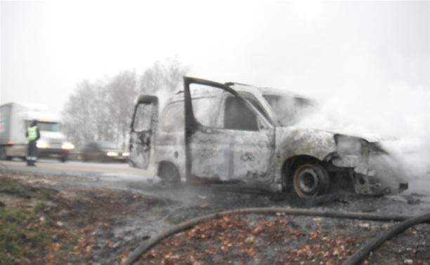 На трассе М4 сгорел «Пежо» с тульскими номерами