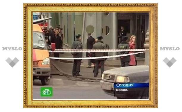 Кинологи ищут взрывчатку на всех станциях московского метро