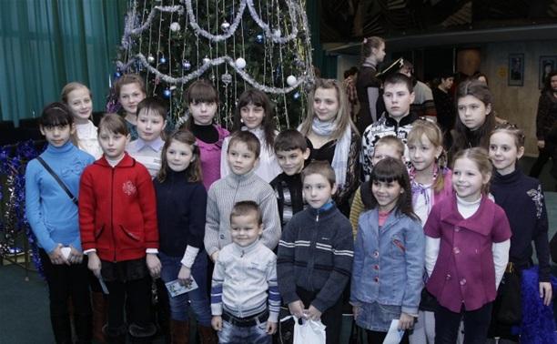Новогодняя ёлка собрала более 1500 маленьких туляков
