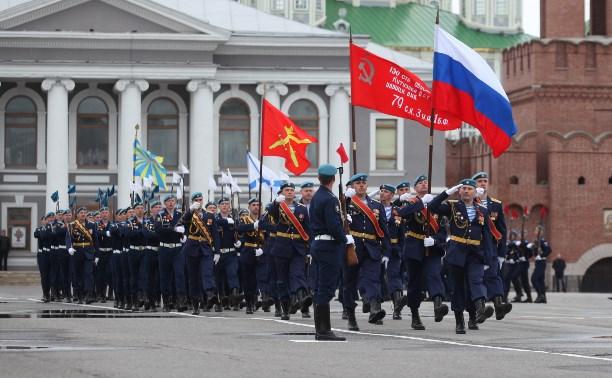 Военный парад в Туле: фоторепортаж