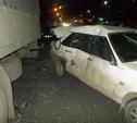 На проспекте Ленина отечественная легковушка врезалась в стоящий КамАЗ
