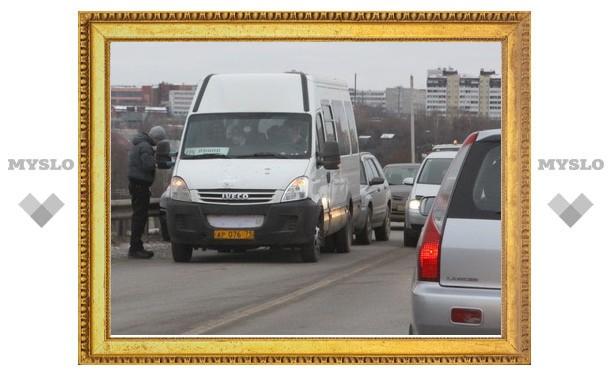 На Калужском шоссе в Туле двойная авария с участием маршрутки