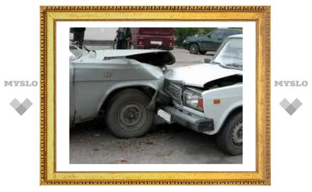 Под Тулой столкнулись 4 автомобиля