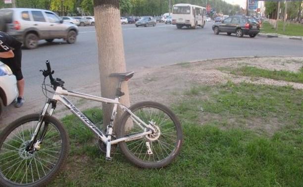 На проспекте Ленина водитель сбил велосипедиста и скрылся с места ДТП