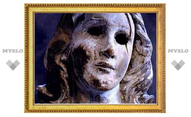 Бенедикт XVI благословил статую Богоматери, пережившую бомбардировку Нагасаки