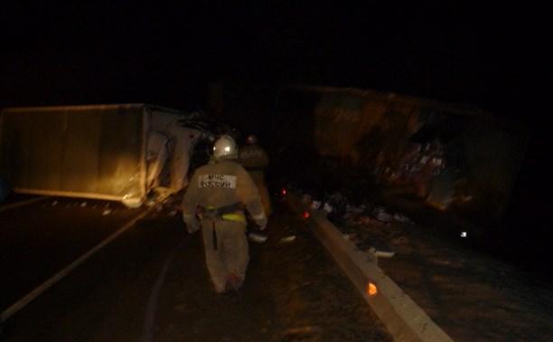 В Чернском районе столкнулись три грузовика