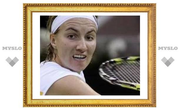Светлана Кузнецова пробилась в полуфинал, обыграв Амели Моресмо