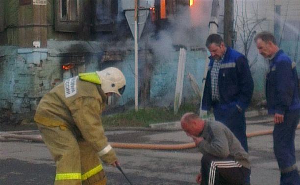 В Пролетарском районе сгорел нежилой дом