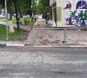 В Туле дорогу пешеходам на тротуаре перегородили забором
