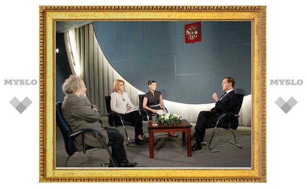 Медведев назвал себя спасителем Саакашвили