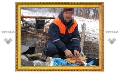В Тульской области беглый преступник прятался в лесном шалаше