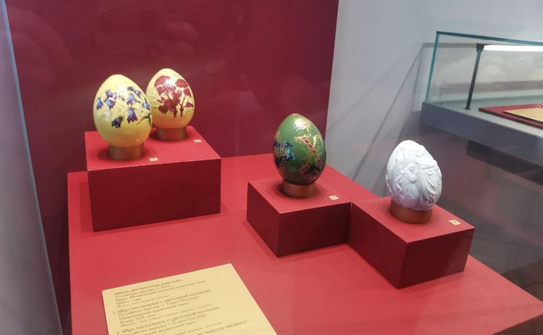В Туле открылась выставка старинных фарфоровых пасхальных яиц