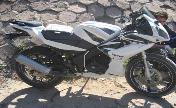 В Туле мотоциклист врезался в железнодорожный мост