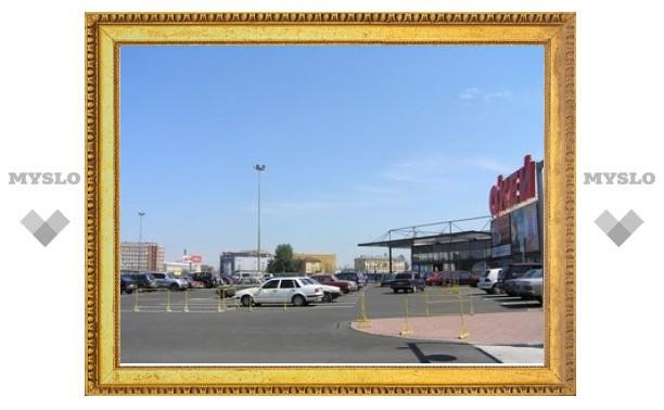 Владельцев торговых комплексов обяжут строить парковки