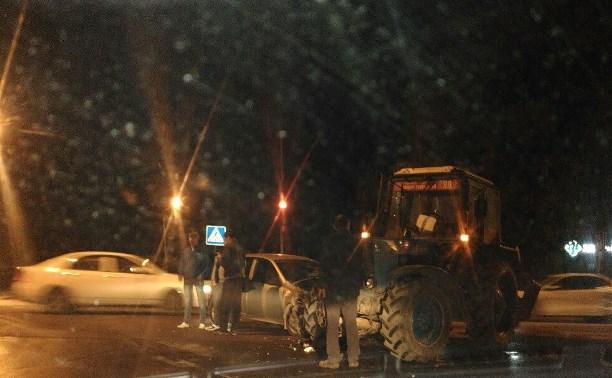 В Туле трактор врезался в легковушку