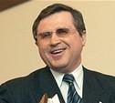 """""""Мелкие чиновники либо торгуют ЕГЭ, либо раздают задания близким"""", - Олег Смолин"""