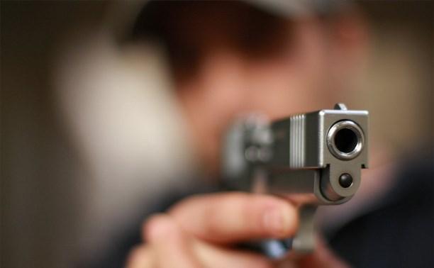 Двое Узловчан задержали устроившего стрельбу посетителя кафе
