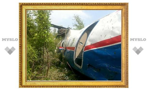 В Благовещенске при жесткой посадке развалился Ан-24