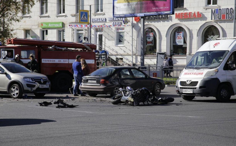 В Туле на пересечении ул. Лейтейзена и Красноармейского проспекта сбили мотоциклиста
