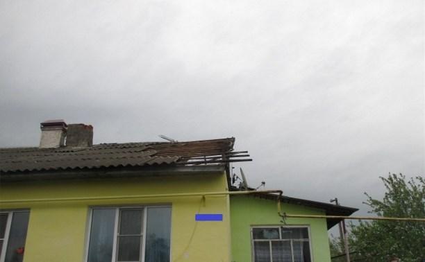В Узловском районе ветер сорвал кровлю с трёх домов