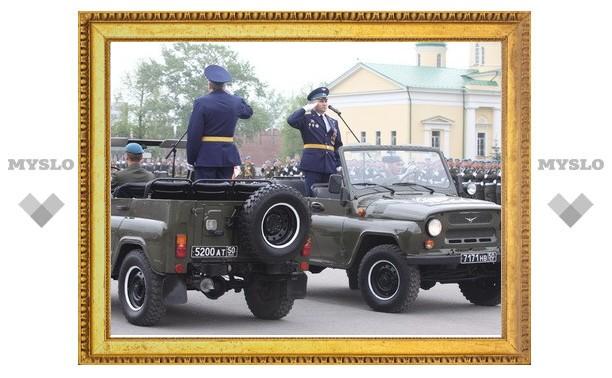 В Туле начался военный парад