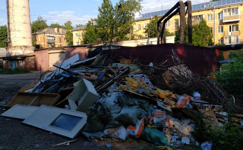 Туляки: «Наш двор превратили в помойку, а ответственность за это никто не хочет нести!»