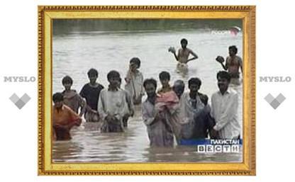 В Карачи более 220 человек погибли из-за грозы