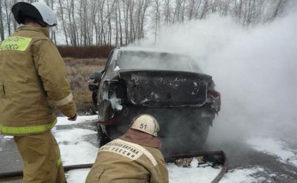 После столкновения в Куркинском районе сгорел автомобиль