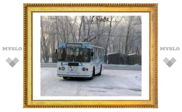Снегопад парализовал движение в Туле